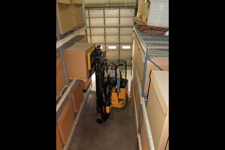 4-Wheel Articulating Very Narrow Aisle Electric